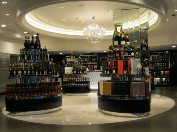 Marilyn-IMG_1006-Harrods-Wine-Shop-